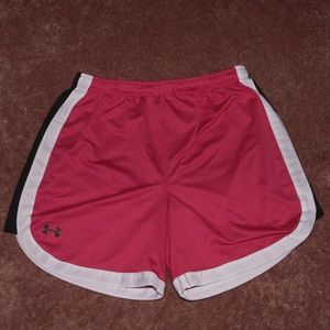 Under Armour Heat Gear small hot pink shorts